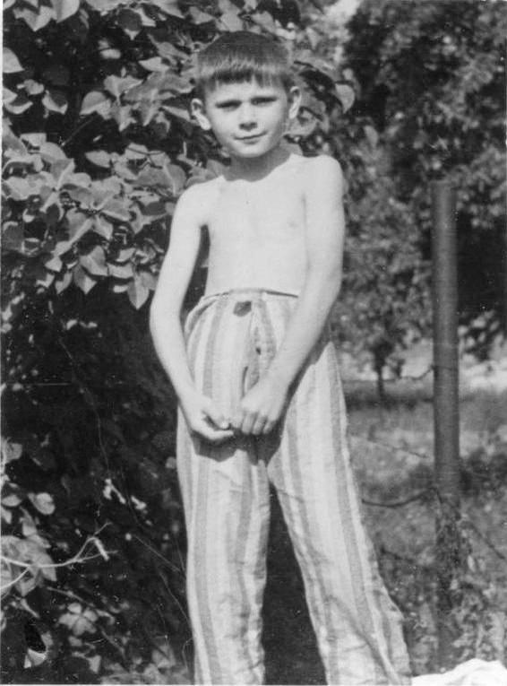 Tibor bá' öt és fél évesen