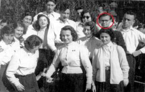 1952. május 1. Fejem vörössel be van karikázva.